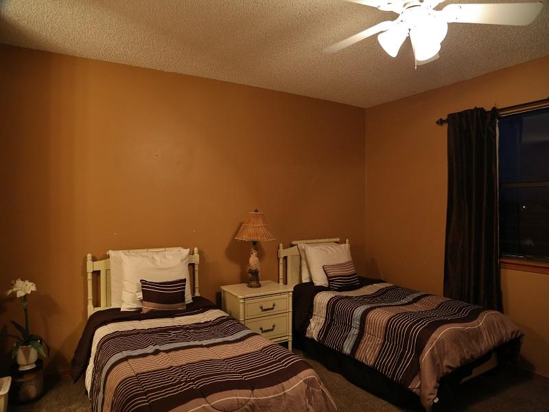 Bedroom 2 w/Twins