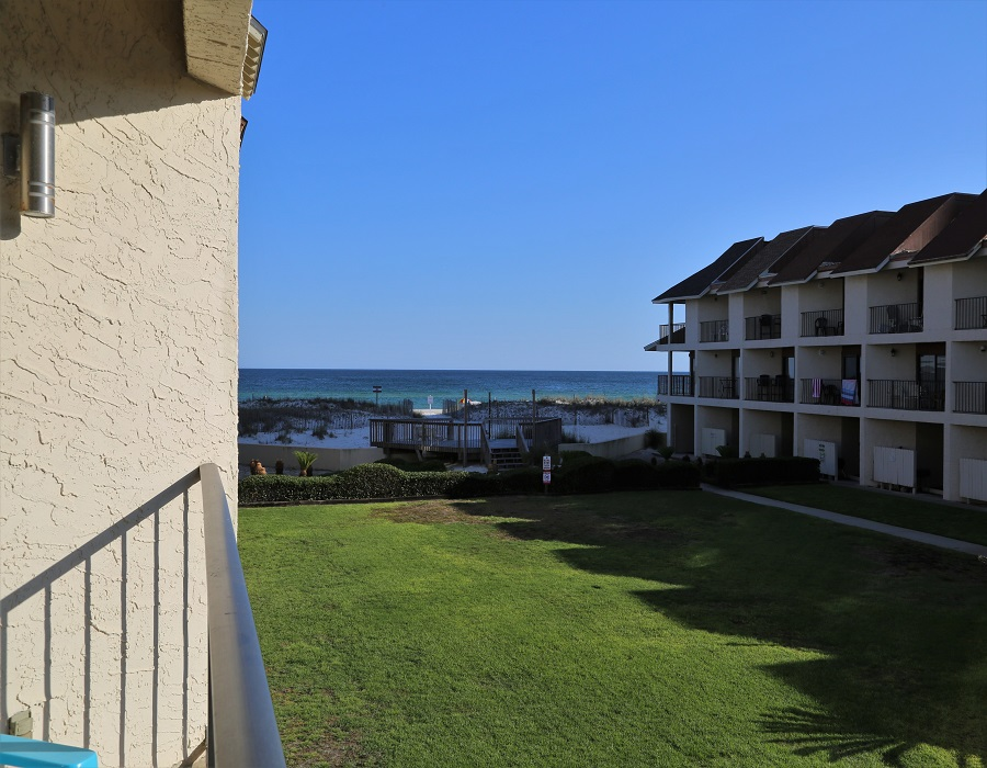 Great view of the gulf from your lower balcony!