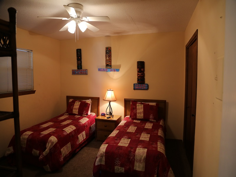 Second bedroom - Twins