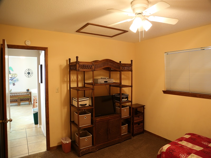 Second bedroom - TV