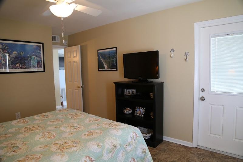 Master bedroom - TV and balcony access