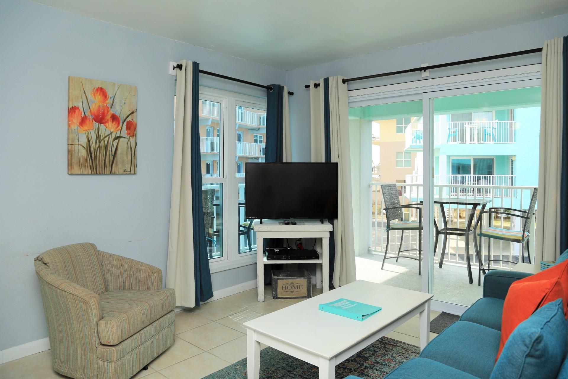 Harbor House B17 - Flat screen TV in Living room