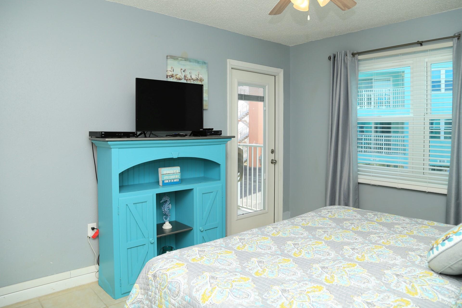 Harbor House B17- master bedroom TV