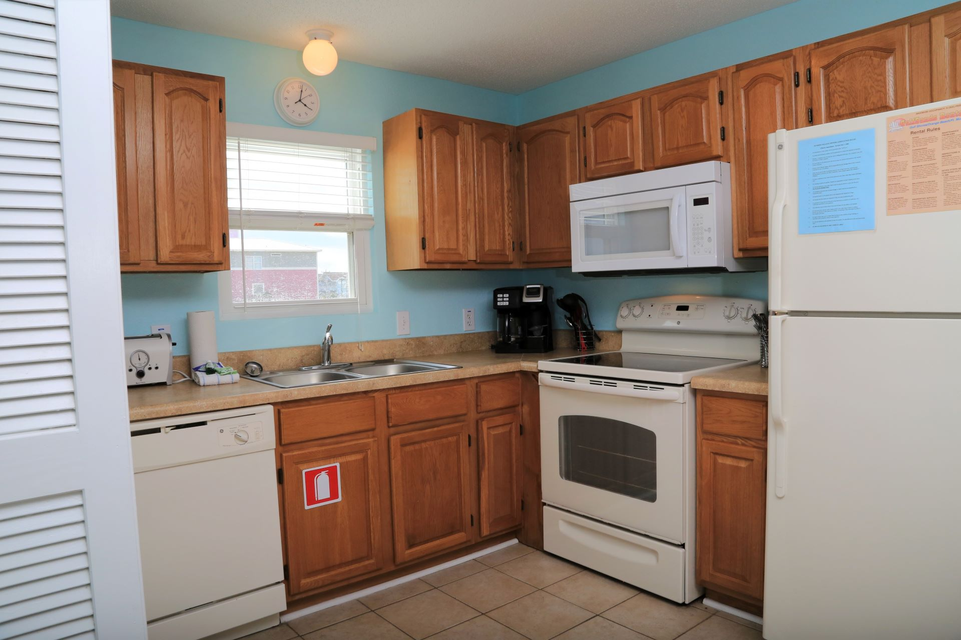 Well-equipped kitchen makes cooking in a breeze.