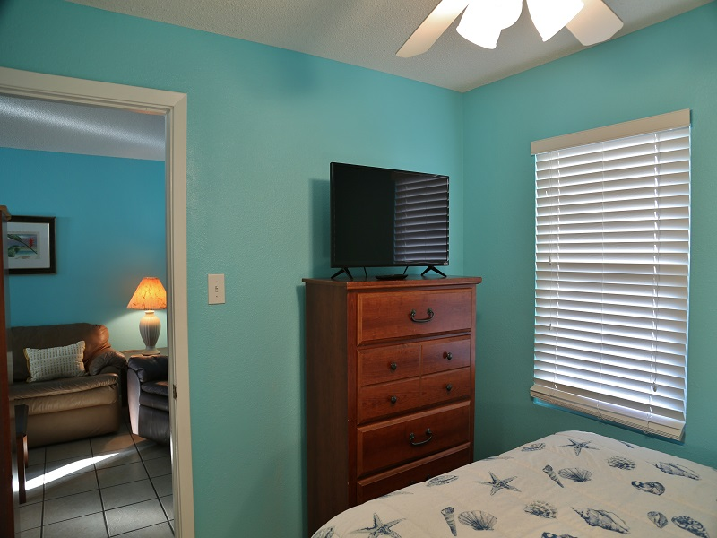 Bedroom 1 - TV