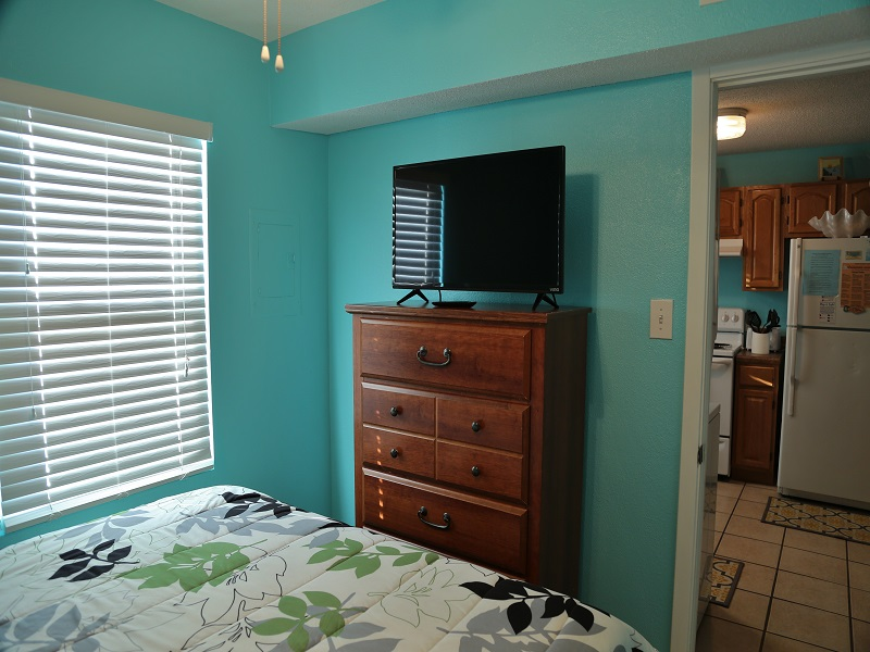 Bedroom 2 - TV