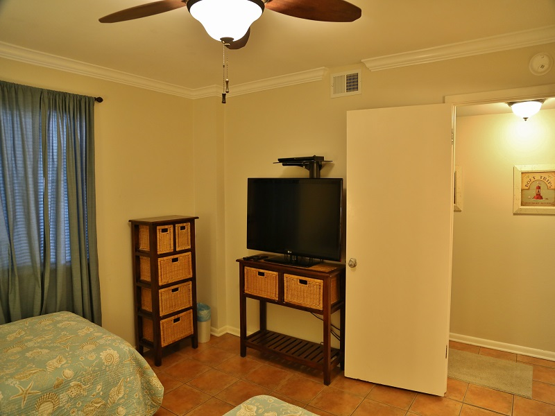 Castaways 2C - Second bedroom - TV