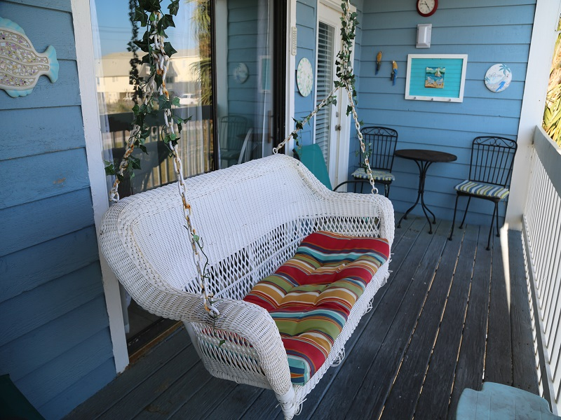 Sea Oats H102 - Spacious balcony w/swing