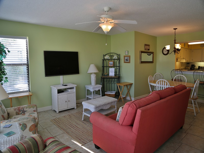 Sea Oats H102 - Living room and dining areas