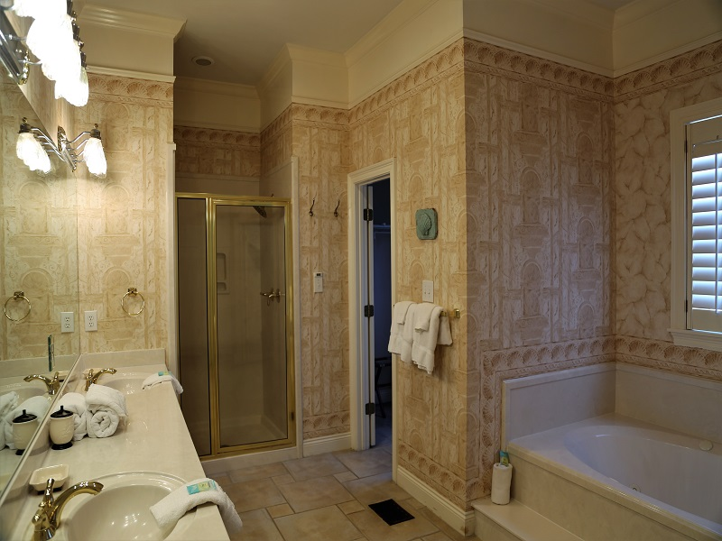 Master bath 1 - separate shower and tub