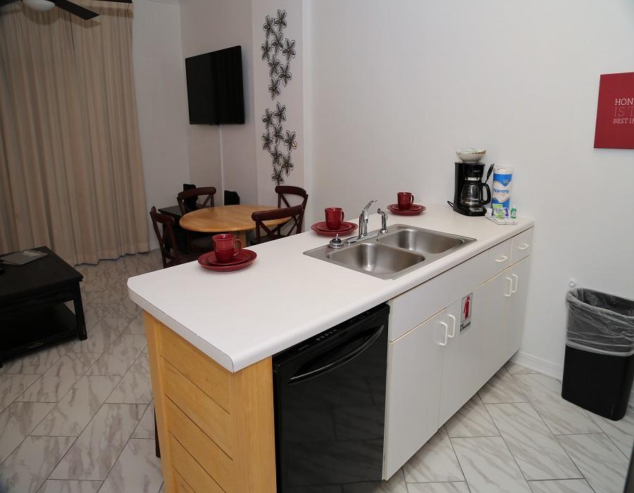 Kitchen/Bar