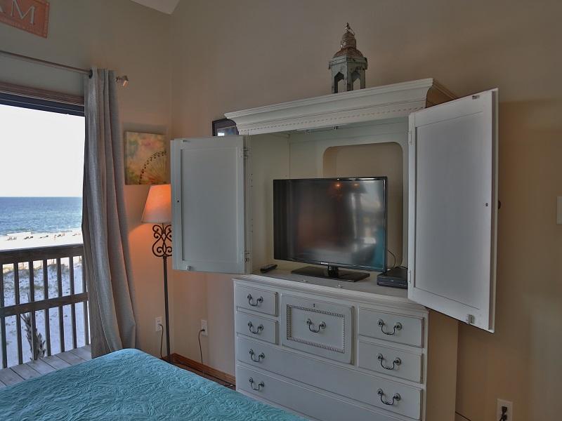 Master bedroom -TV