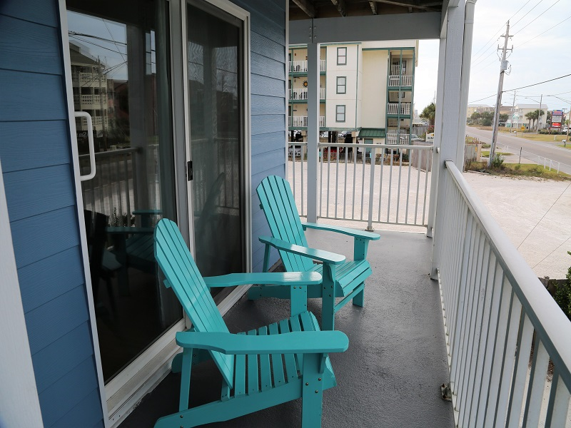 Sunchase 111 - Lounge in the outdoor chairs on the breezeway