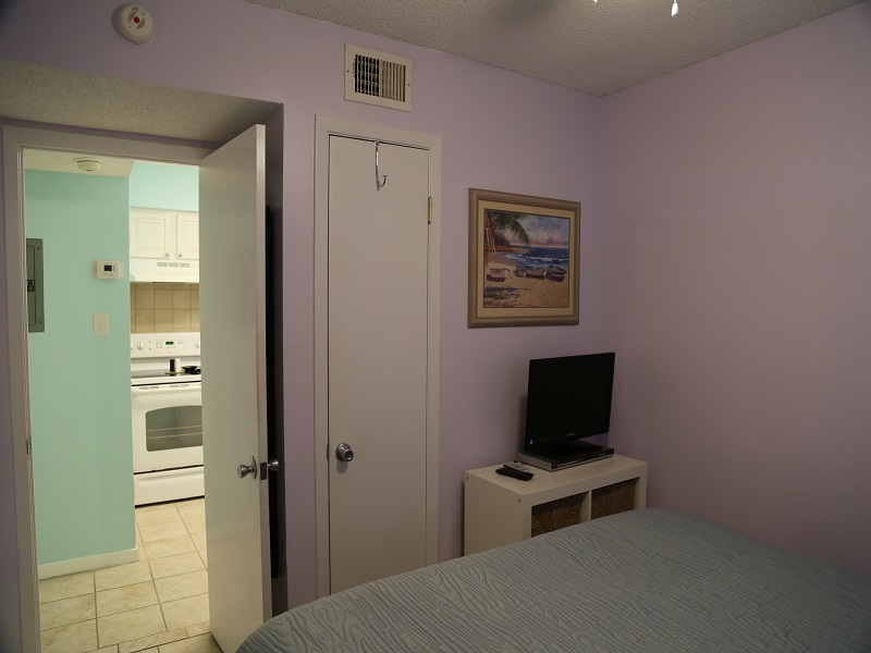 Sunchase 111 - TV in first bedroom
