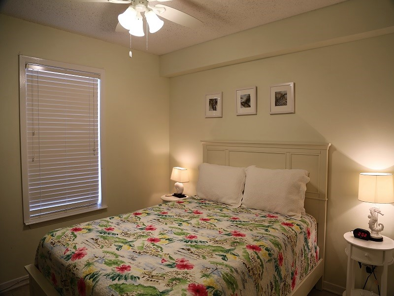 Sunchase 111 - Second bedroom with Queen size bed
