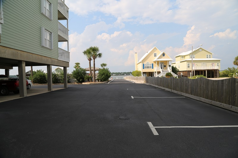 Parking and Boat Launch Available to Guests