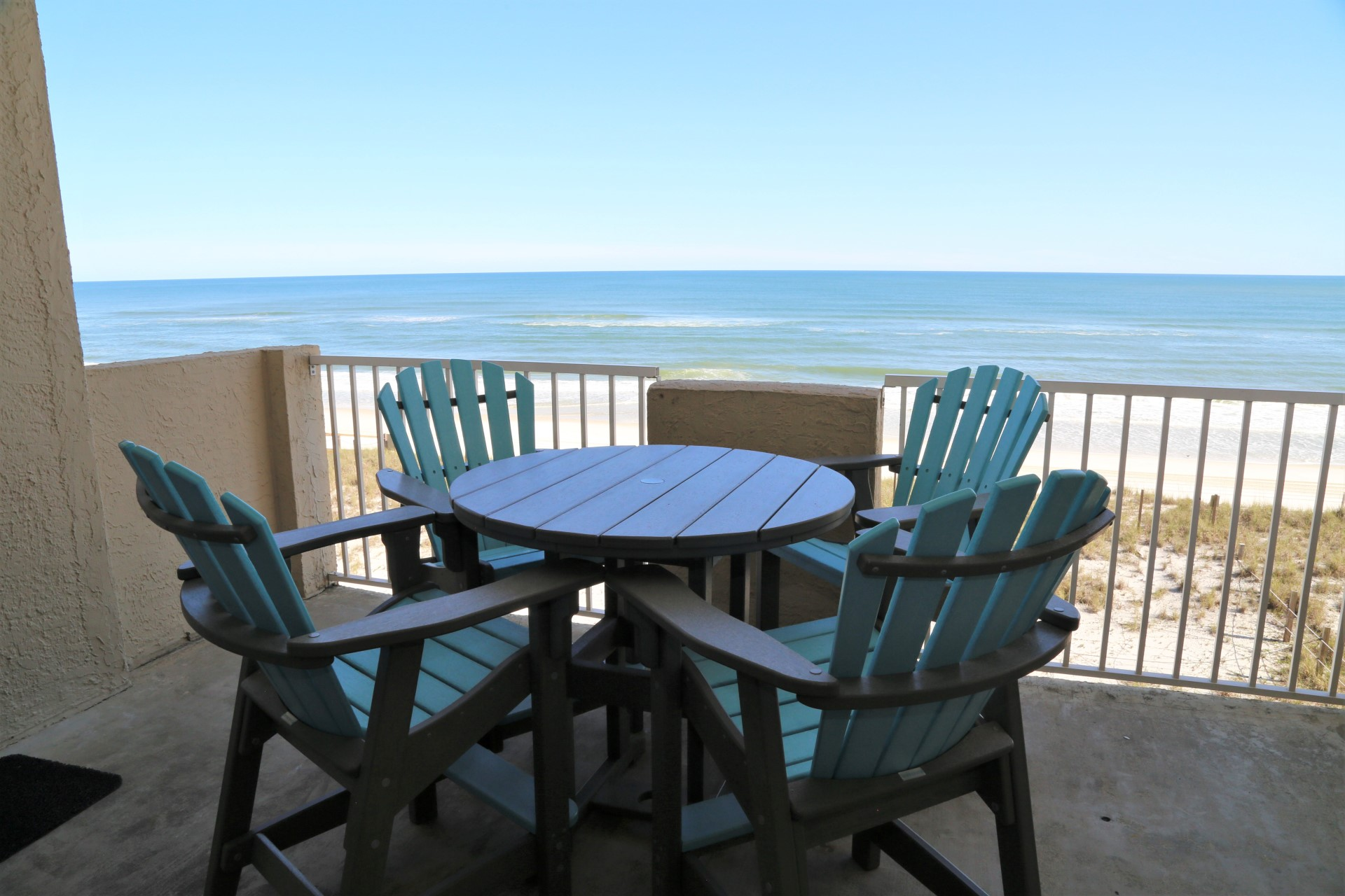 Premium balcony furniture to enjoy the refreshing salt air a
