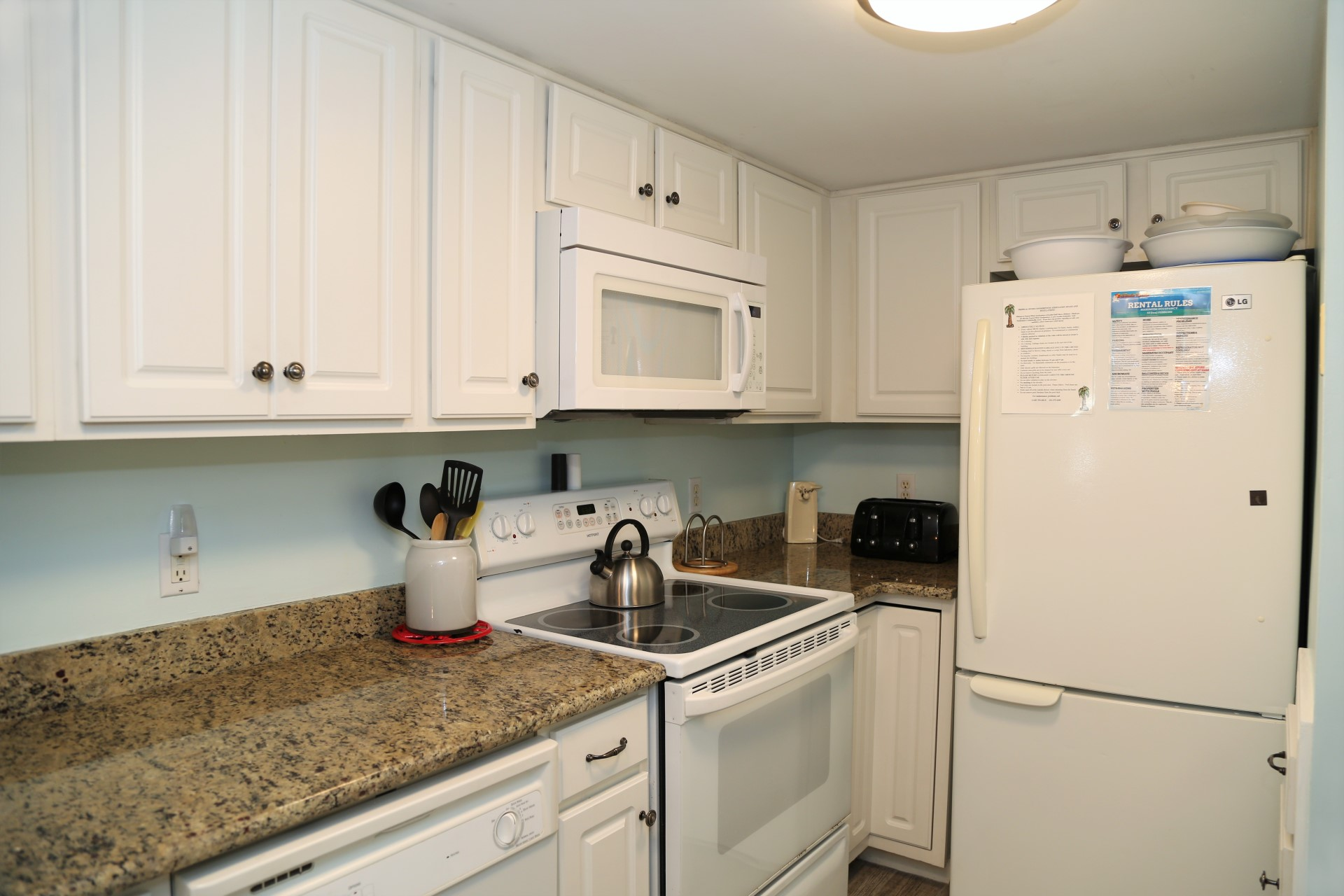 Tropical Winds 304 - Fully Equipped Kitchen