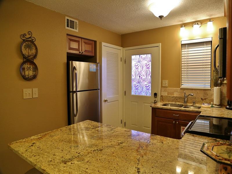 Harbor House B20 - granite counters
