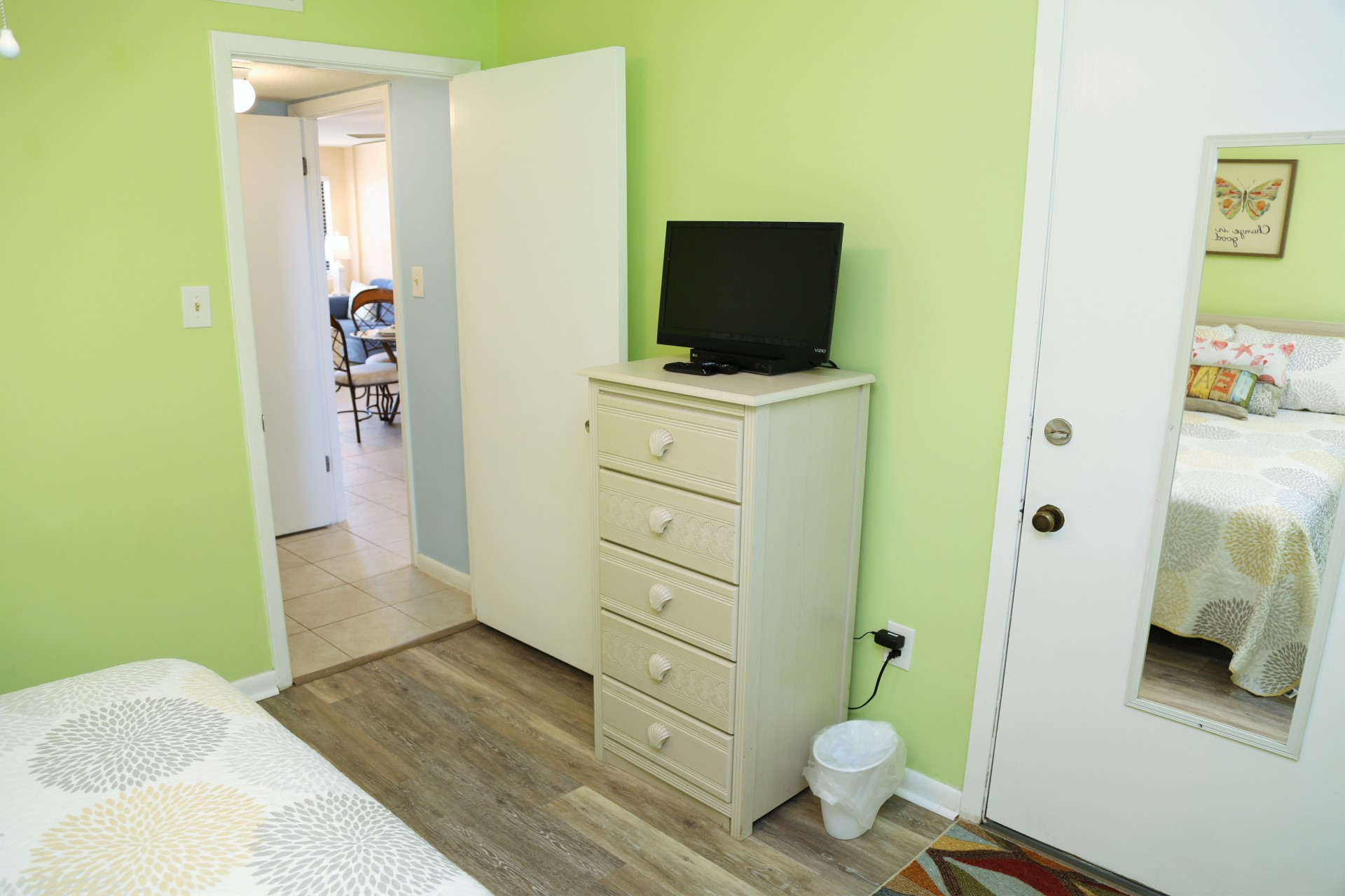 Second bedroom includes cable TV and Blu-ray DVD player with