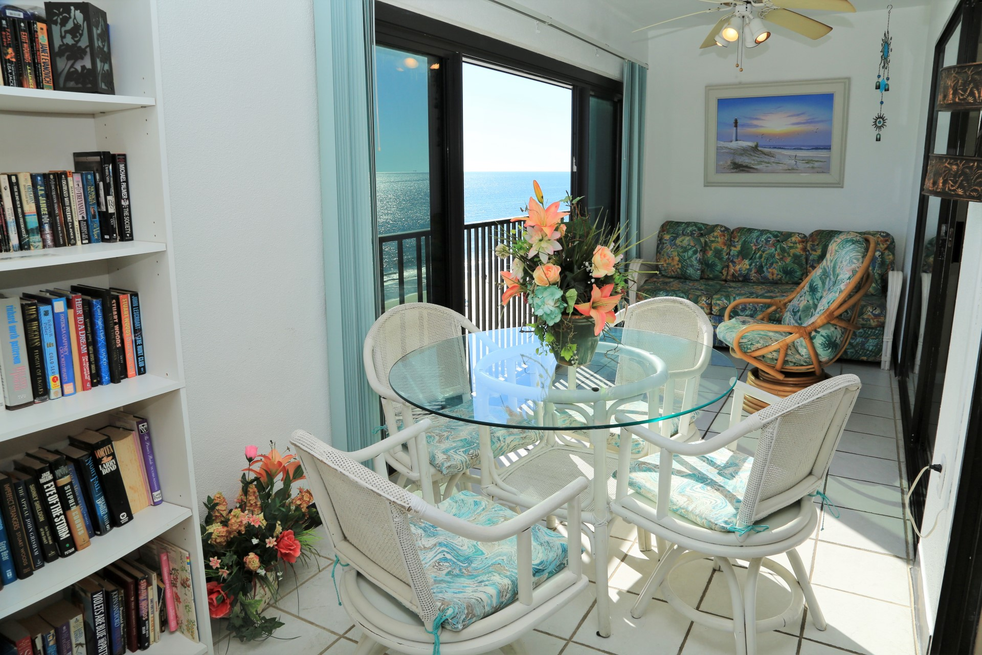 Ample seating available to lounge with views of the shorelun