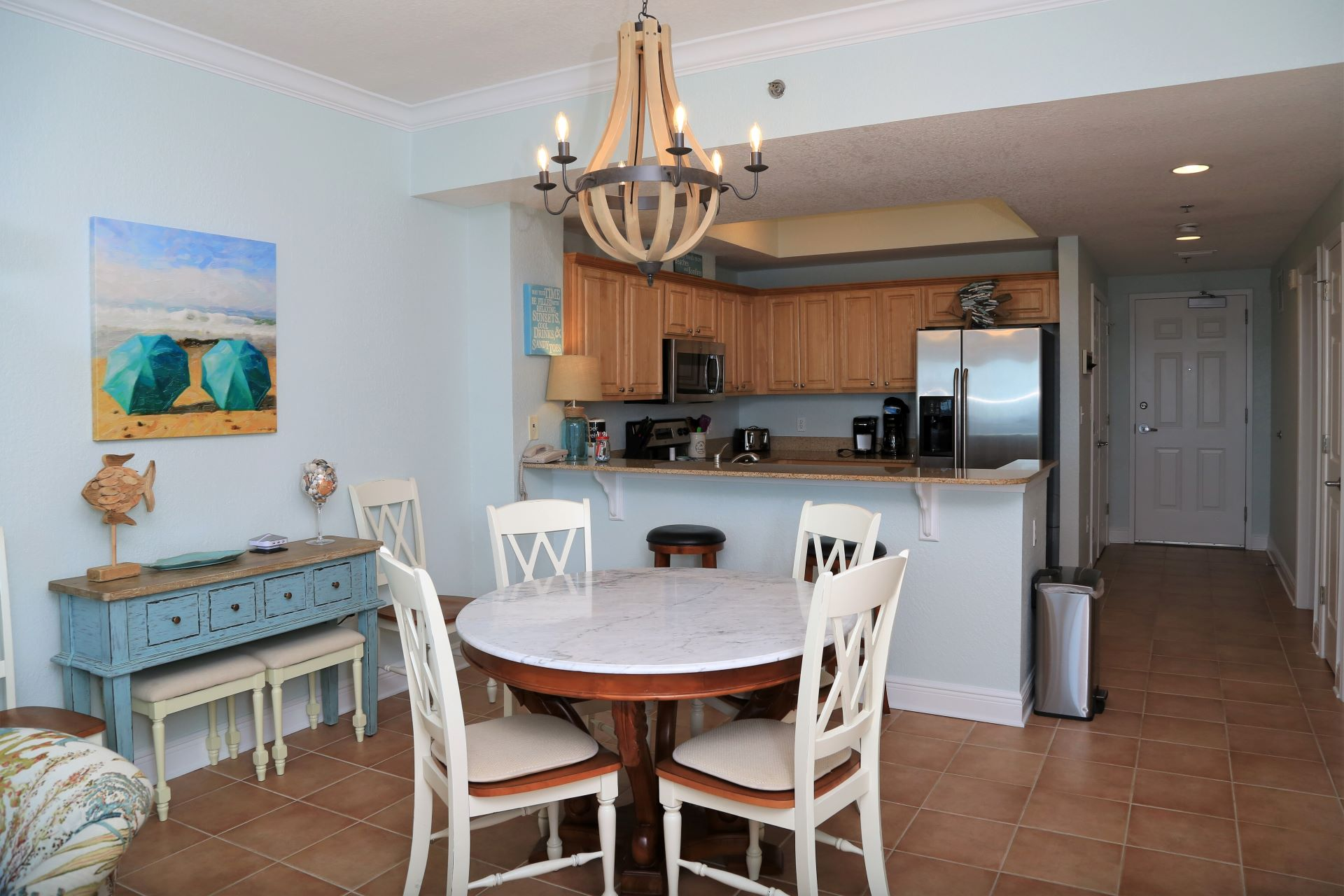 Crystal Shores West 905 -Dining area