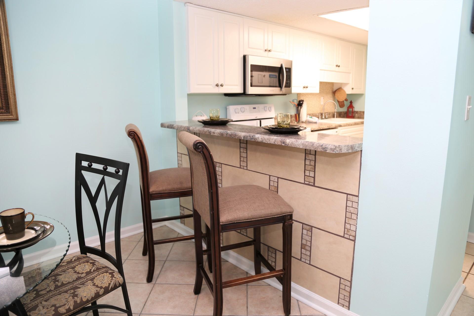 Castaways 1B - Kitchen and bar stools