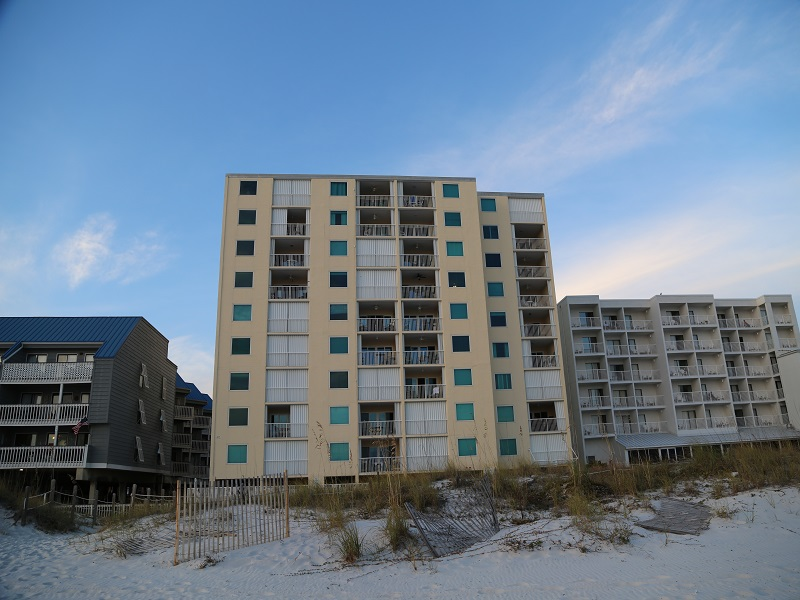 Castaways complex right on the beach