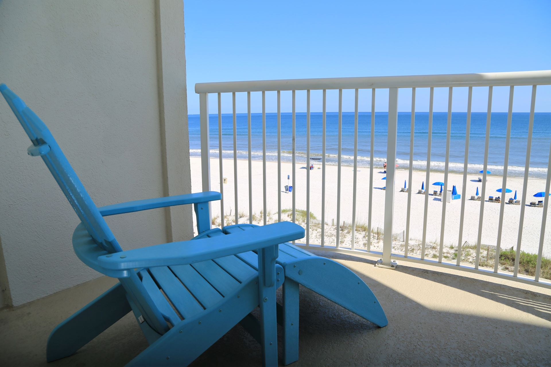 Lounge in the gulf breeze with a good book.