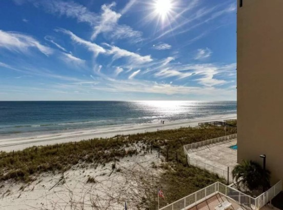 180 degree beach front views, hello!