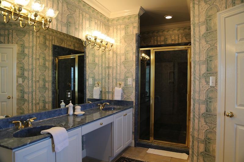 Master bedroom 4 - Bathroom