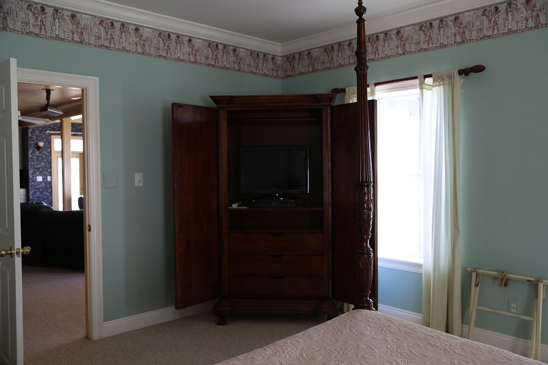 Master bedroom 3 TV