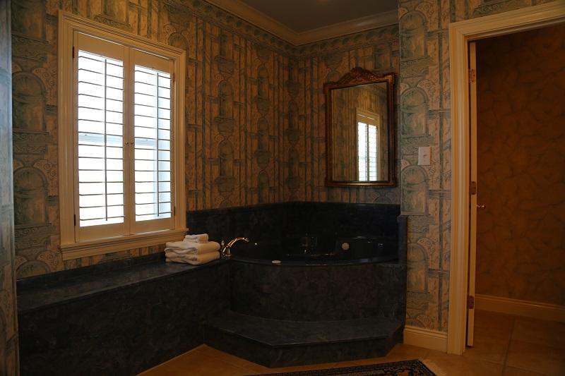 Master 4 bathroom - Jacuzzi tub