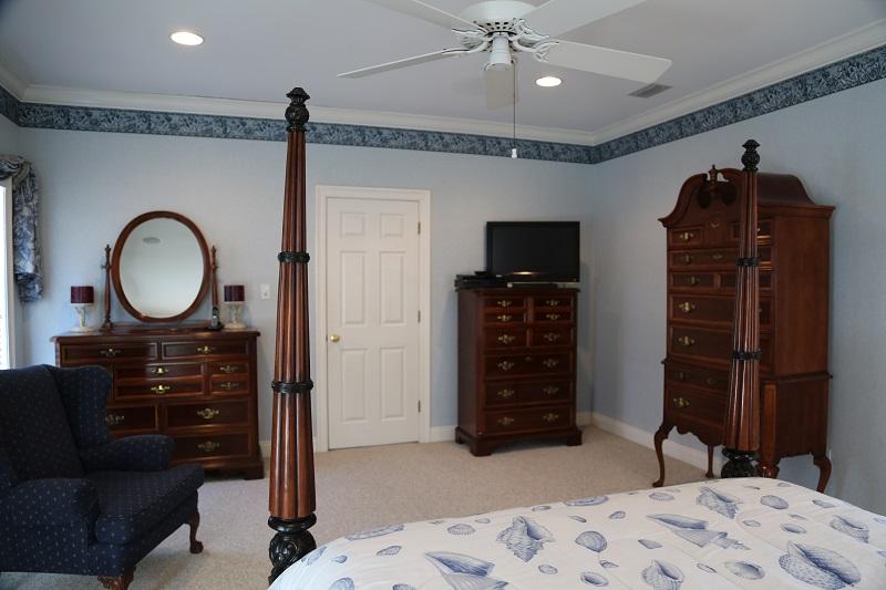 Master bedroom 4 TV