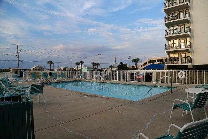 Island Shores pool