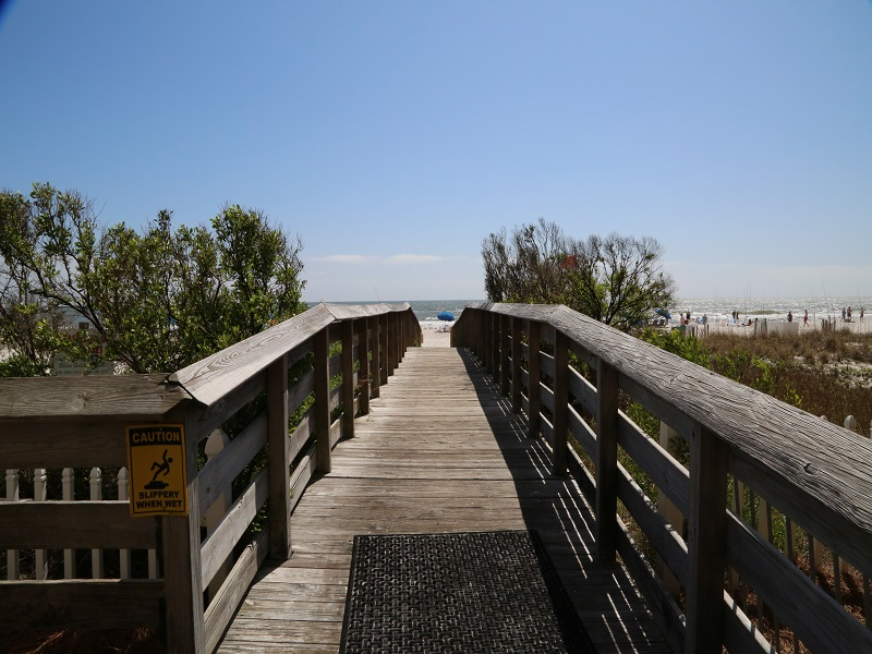 Path to beach!