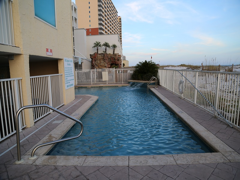 Gulf front salt water, heated outdoor pool!