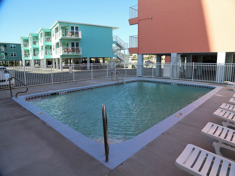 Harbor House Pool